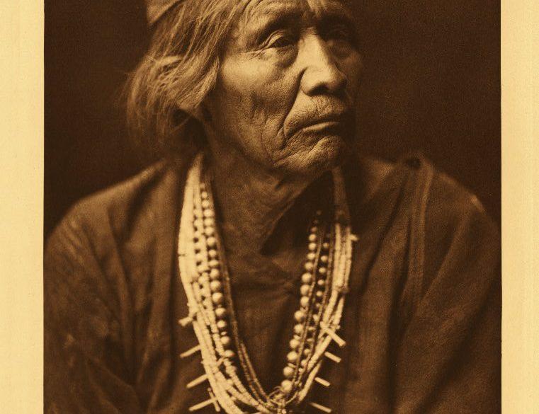 Navajo Medicine Man: Nesjaja Hatali